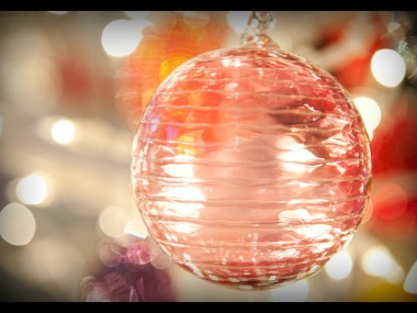 glass-christmas-ornament